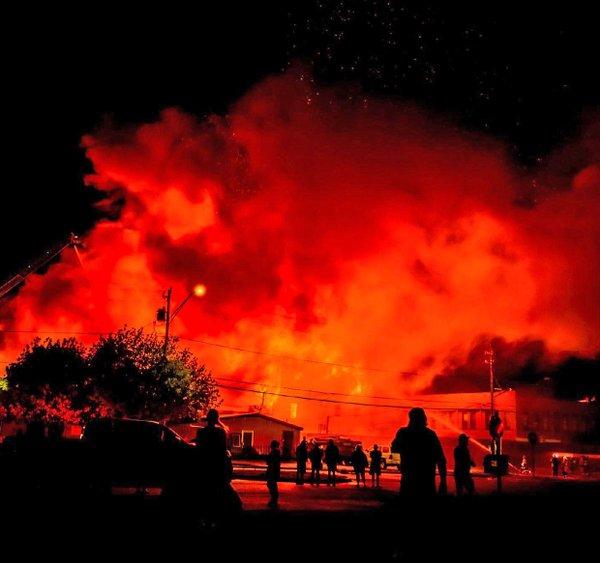 ACTW052821.fireside.1240.jpg