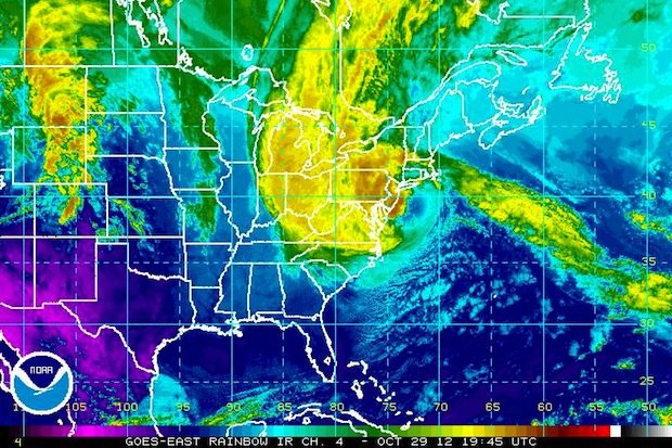 I'm in New Jersey and now im in a blackout. -___- Hurricane%20sandy%20ir%2010-29-12%203pm