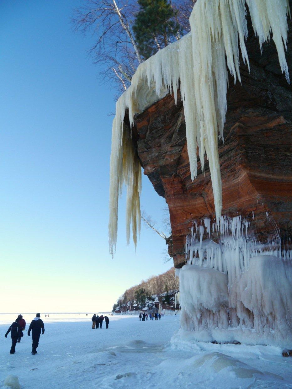 Calendar Ontario : The ice caves of apostle islands national lakeshore lake