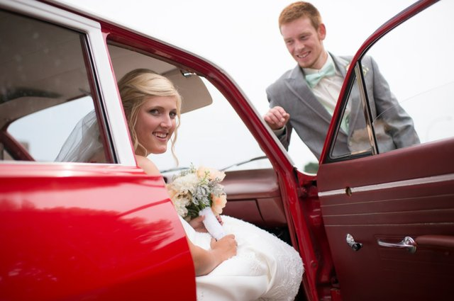 Tying the Knot on a Shoestring