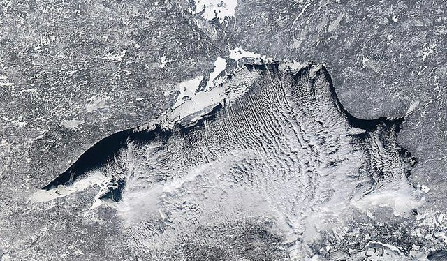 Lake Superior Ice: Jan. 2, 2014