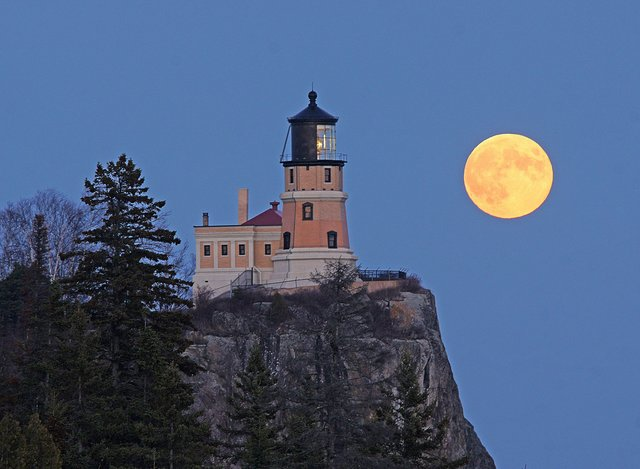 Split Rock Moonrise