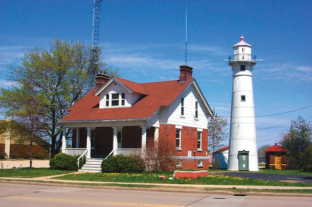 Munising Range Light