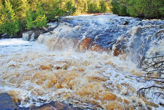 A Visit to Tahquamenon Falls Country