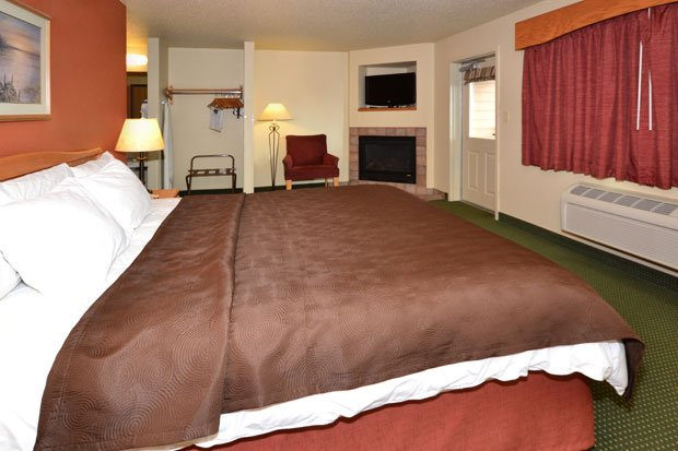 AmericInn Lodge and Suites - Lakeside Room