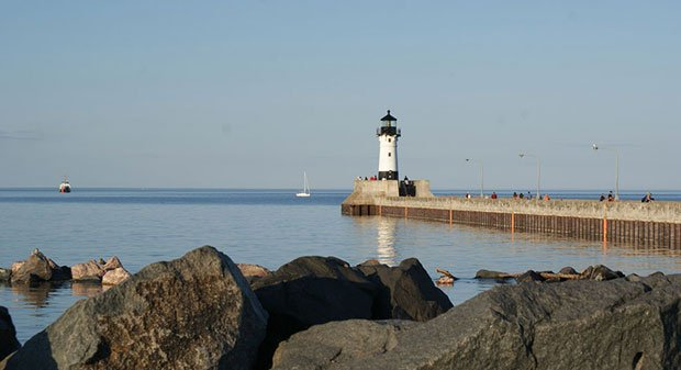 Visit Duluth - Shiip Canal Lakeview