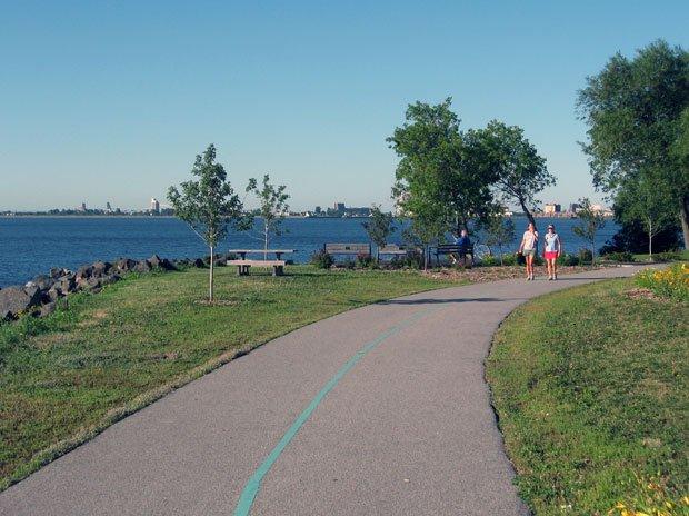 Visit Duluth - Duluth Lakewalk