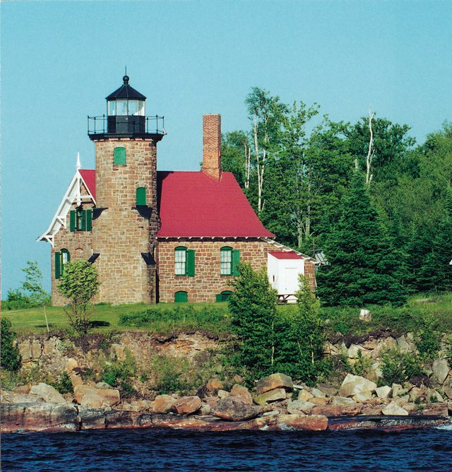 Amazing Lighthouses Of The Apostle Islands Lake Superior Magazine Download Free Architecture Designs Rallybritishbridgeorg