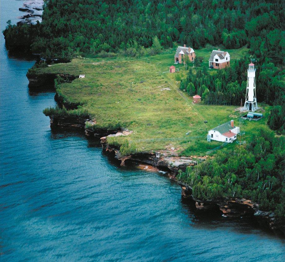 Lighthouses Of The Apostle Islands Lake Superior Magazine