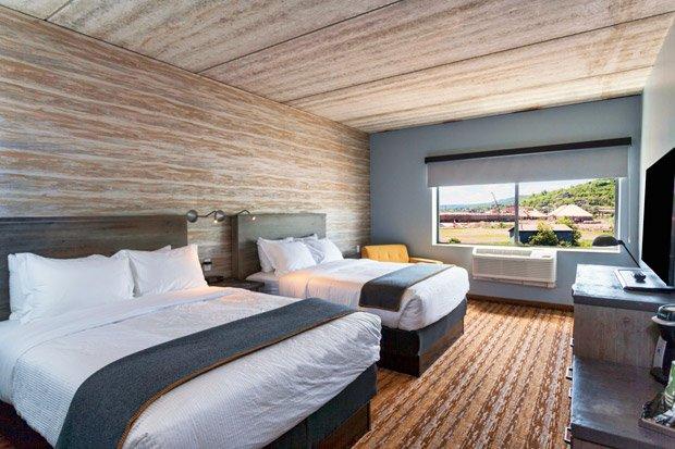 Pier B Resort – Queen Room