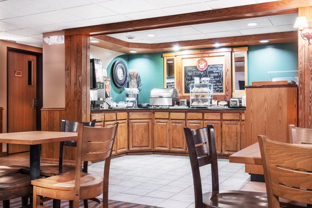 AmericInn Lodge and Suites – Tofte/Lutsen – Breakfast Room
