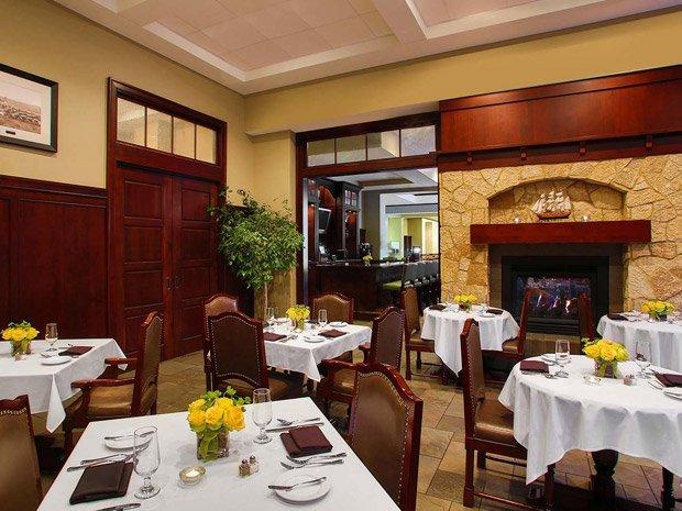 Sheraton Duluth Hotel – Restaurant 301