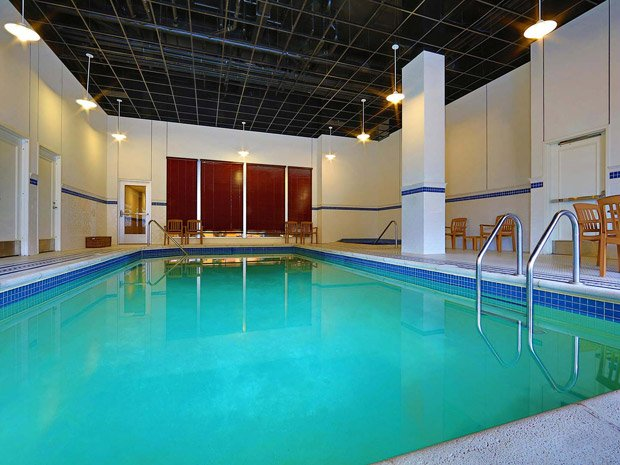 Sheraton Duluth Hotel – Swimming Pool