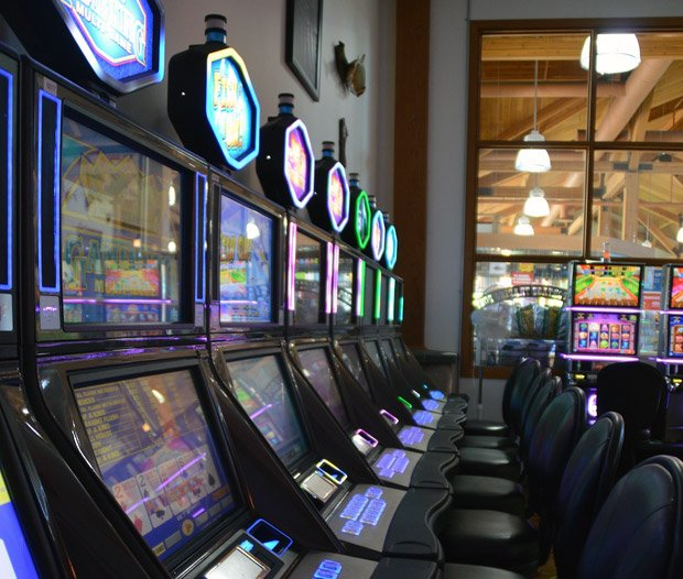 Grand Portage Lodge and Casino – Gaming Room
