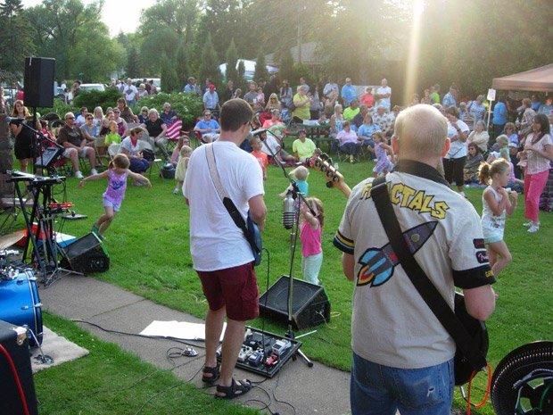 Superior Public Museums – Fairlawn Museum Lawn Concert