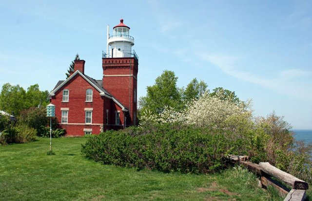Big Bay Point Lighthouse Bed & Breakfast